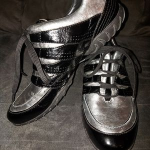 Allrounder metallic silver and black shoes
